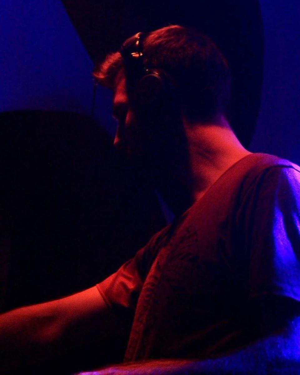 Em from #Tristate channelling the Light in the dark 💥 , 📸: Nico Nachtaktiv .  #tristate #tristatemusic #digitalom #digitalomproductions #psytrance #psytrancefamily #tbt #trancefamily #psytribe #culturatrance #psicodelico #djpics #psyprog #progressivetrance #progressive