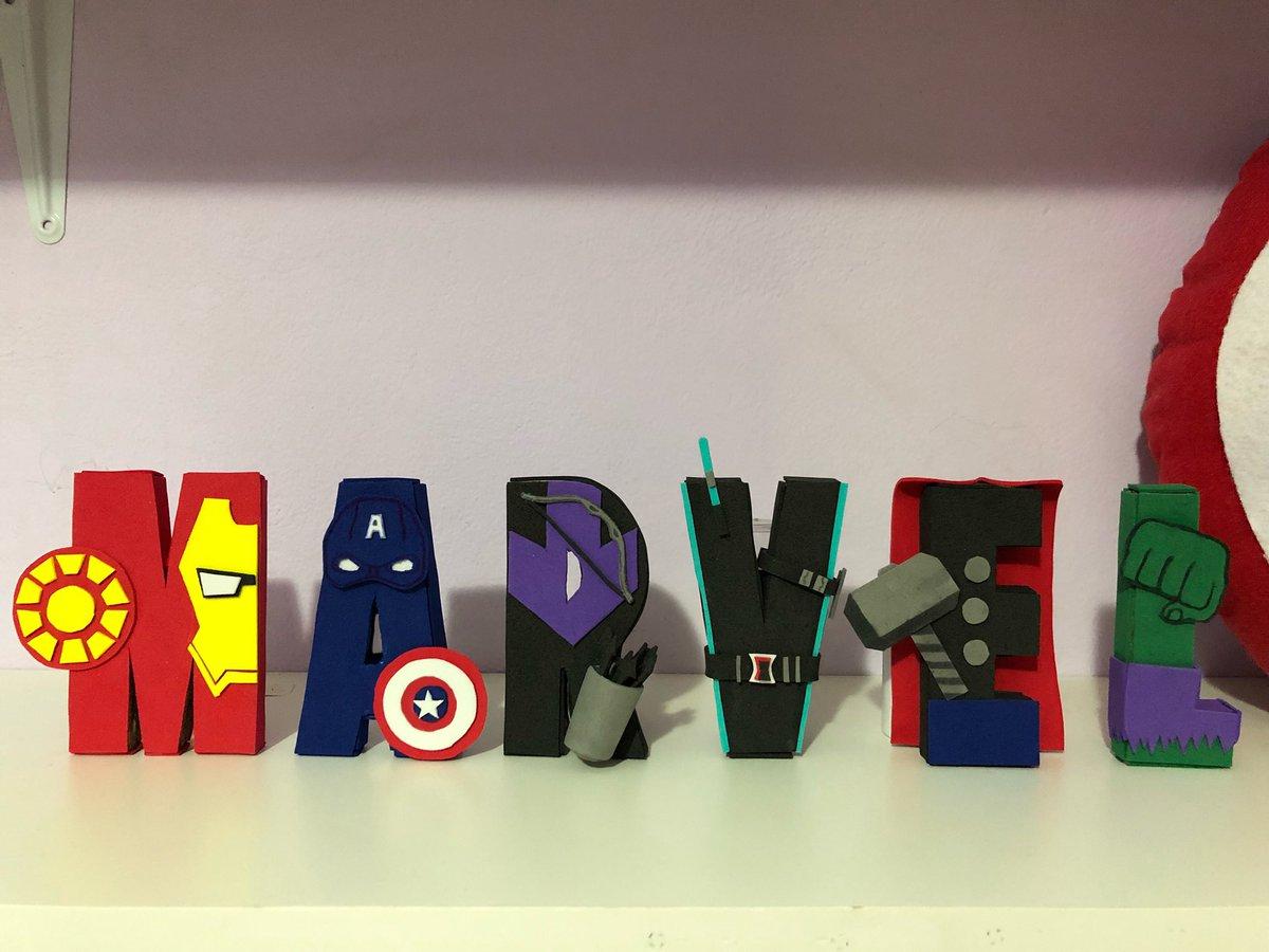 fiz esses letters inspirados nos personagens de vingadores pra decorar meu quarto e to apaixonadaa