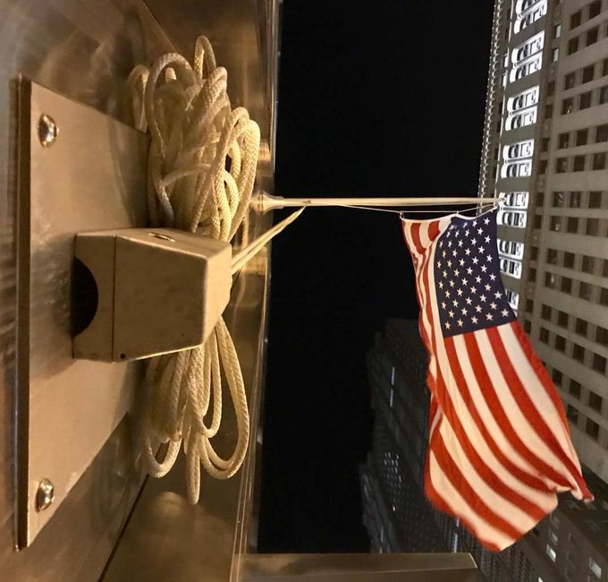 "#WallMountedCleatCoverBox #Outrigger #Flagpole 20' x 4"" rated for large #USFlag #BMOHarris @Chicago,IL https://t.co/mlCWYkdPFU https://t.co/Xcd1Izhc8n"