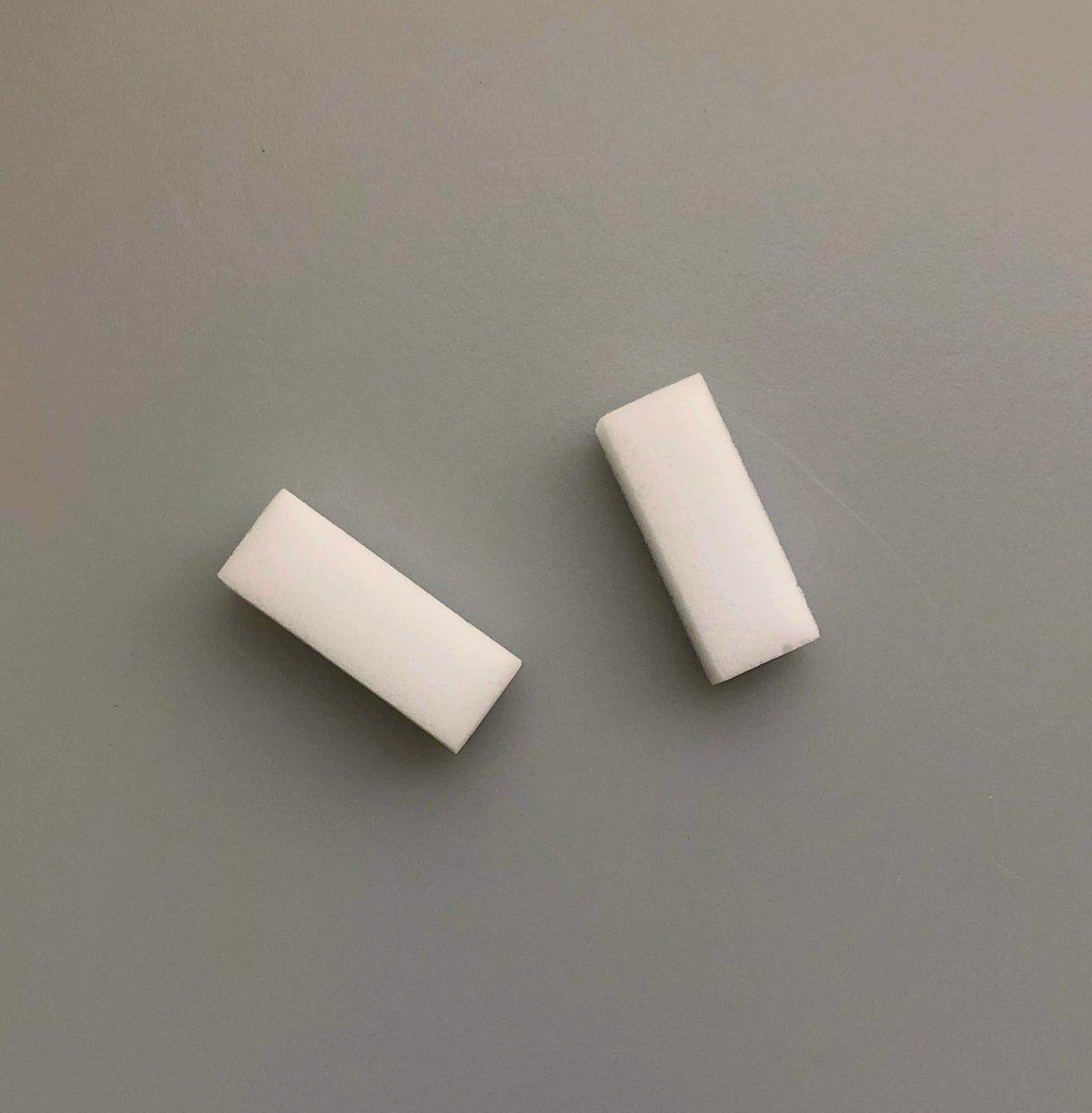 test ツイッターメディア - 白い歯で息さわやか…あこがれませんか!?  #キャンドゥ #100均 #オーラルケア #口腔ケア #ホワイトニングスポンジ #ステイン除去 #汚れ除去 #水を浸けてこするだけ #ホワイトニング #黄ばみ #歯学博士監修 #舌クリーナー #口臭対策 #舌汚れ #歯の衛生週間 #歯と口の健康週間 https://t.co/Qb6XF6PnX2