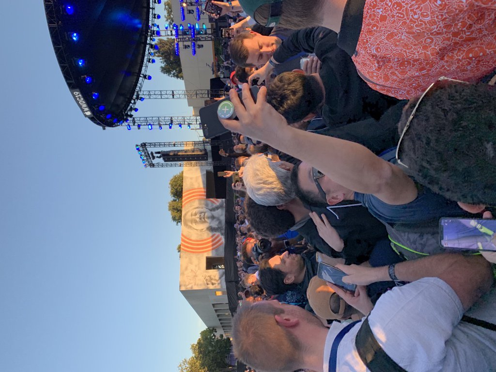 Craig is mingling with the crowd at the #WWDC19 Bash. What a neat guy.