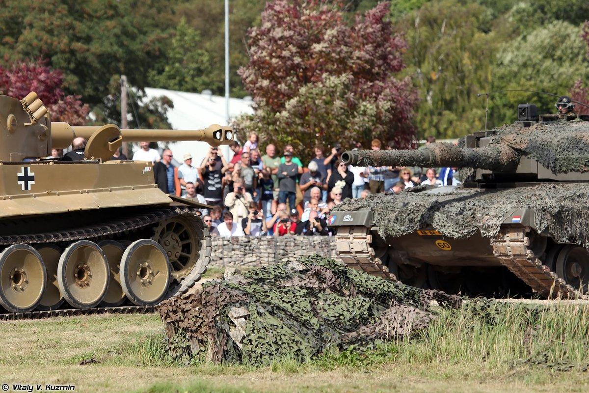 "Vitaly Kuzmin on Twitter: ""PzKpfw VI Tiger и Leopard 2A4NL Panzer VI Tiger  I and Leopard 2A4NL #panzervitiger #tigertank #tiger131 #pzkpfwvi #leopard2  #leopard2A4 #леопард2 #tank #танк #armor #бронетехника #tankmuseum…  https://t.co/ubiulamdCj"""