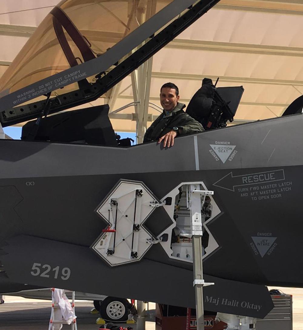 ترامب يوقف رسميا صفقة بيع مقاتلات F-35 الى تركيا - صفحة 4 D8c8fSLXsAAysmv