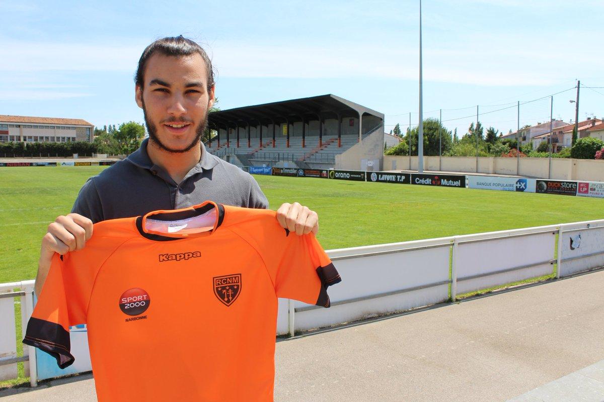 Signature de Kamil BOUREGBA né en 1999. Ce joueur de 1m91 et 91kg, formé au...