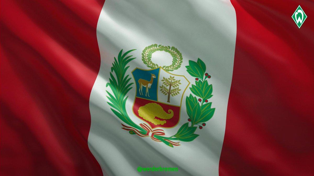 Desde el #Werder le deseamos a todos los peruanos un muy feliz #DiaDeLaBandera 🇵🇪.   Aquí tenemos a alguien que los representa con orgullo 🙂💪