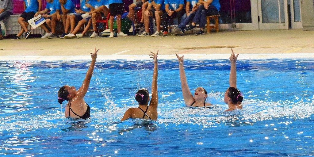 💦 Aquest cap de setmana l'equip de #natacioartistica disputa l'última competició de la temporada. El grup 2 i el grup 3 estrenen rutina aquest dissabte i diumenge a les piscines del @CNBARCELONA Molta sort!! #ForçaMolins #cnmolins #molinsderei #sincronitzada https://t.co/whjYkJoSVT