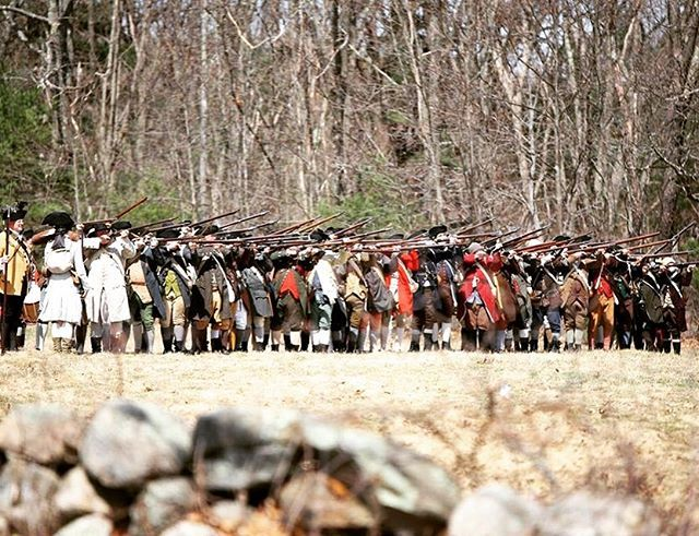 We shall give them a volley they will never forget! #revolutionarywar #reenactment #patriots #newengland #massachusetts #musket https://t.co/zPga96Ig2Y
