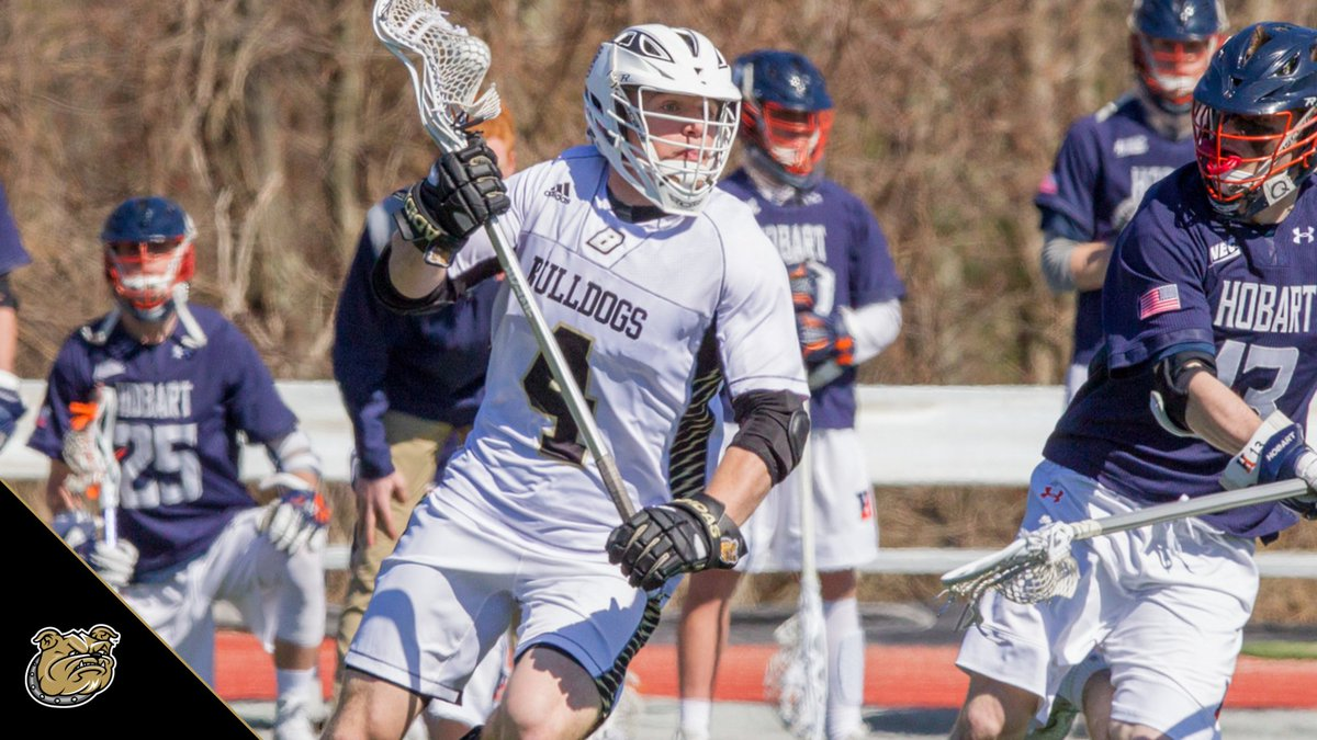 .@freepsports takes a look at how Tom Kennedy's lacrosse skills translate to the football field.  📰 http://bit.ly/FreeP-0607  #GoBryant | #NECMLax