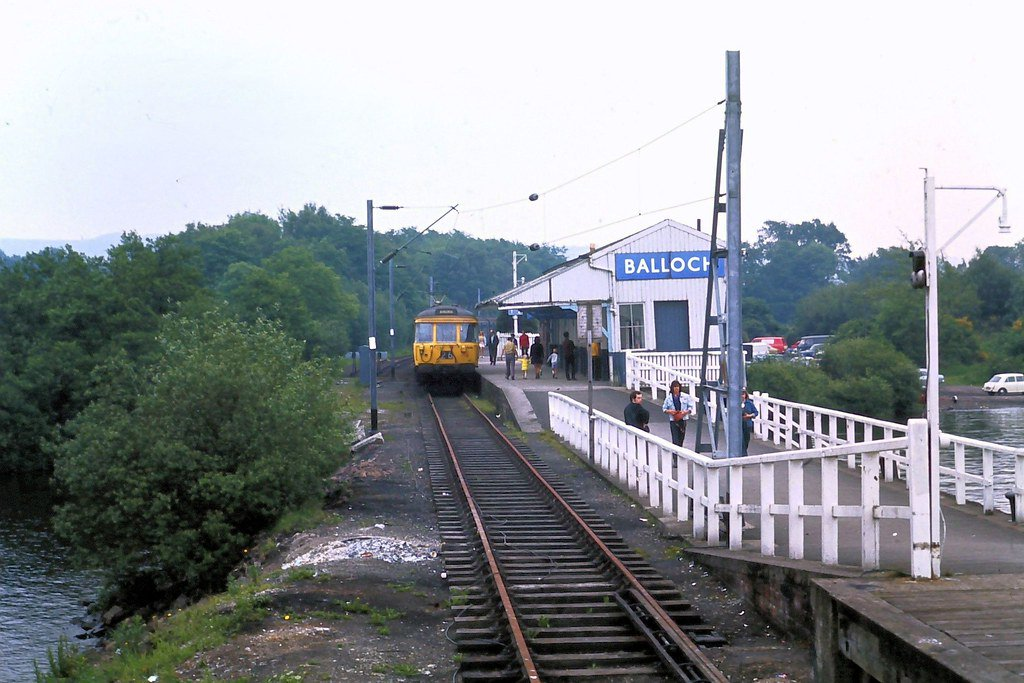 D8e4mNPWsAIPaWH?format=jpg - Tinpot Railways: Terminal decline #2