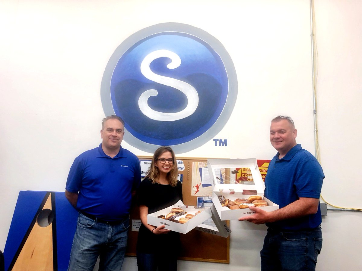 What's a donuts favorite day of the week? Fry-day!  Happy #NationalDonutDay from the team at Swagelok Minnesota   North Dakota   Appleton, we hope it's as sweet as ours! https://t.co/2sDRrEjmQ8
