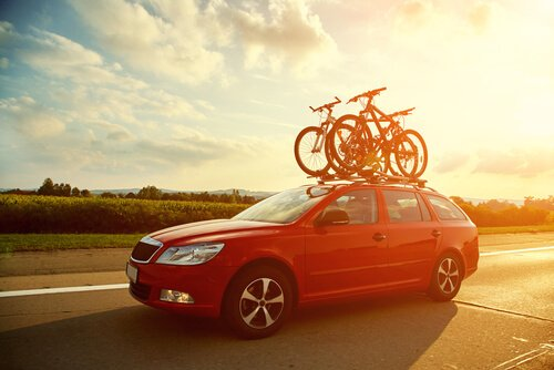 Many people use their Roof Rack to carry luggage, what do you use yours for? #RoofRacks https://sandersonleafsprings.co.uk/category/roof-racks/…