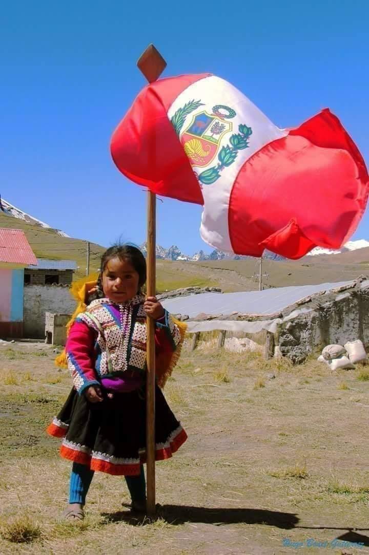 El Perú conmemora el 139° aniversario de la batalla de Arica y la renovación del juramento de fidelidad a la bandera. En esta fecha, reflexionemos sobre la importancia de una ciudadanía responsable y de mejora constante #MejoresPeruanosSiempre #VivaLaBandera