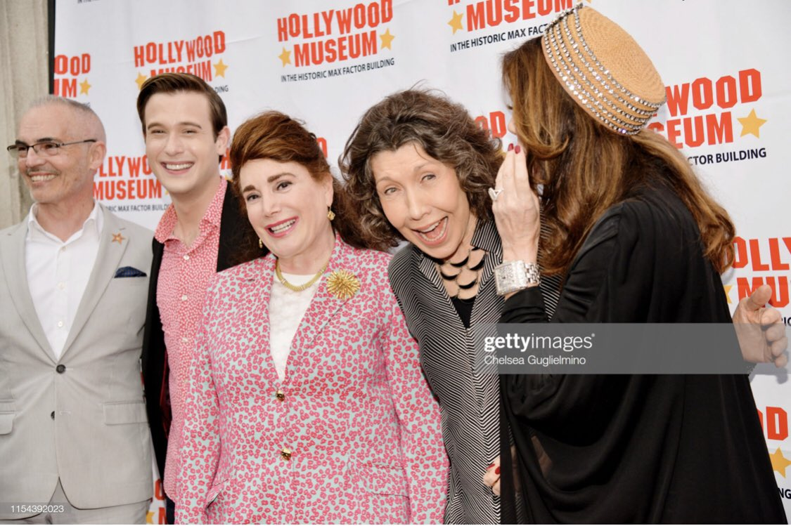 Lily Tomlin kissed my cheek and I'm never washing my face again. 😂