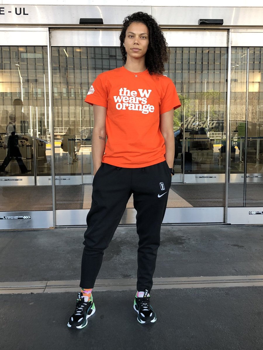 Supporting my girl @MsPeters14 in her initiative to bring awareness to gun violence and take action to end it! #GunViolenceAwarenessDay #WearOrange #MoreThanBasketball