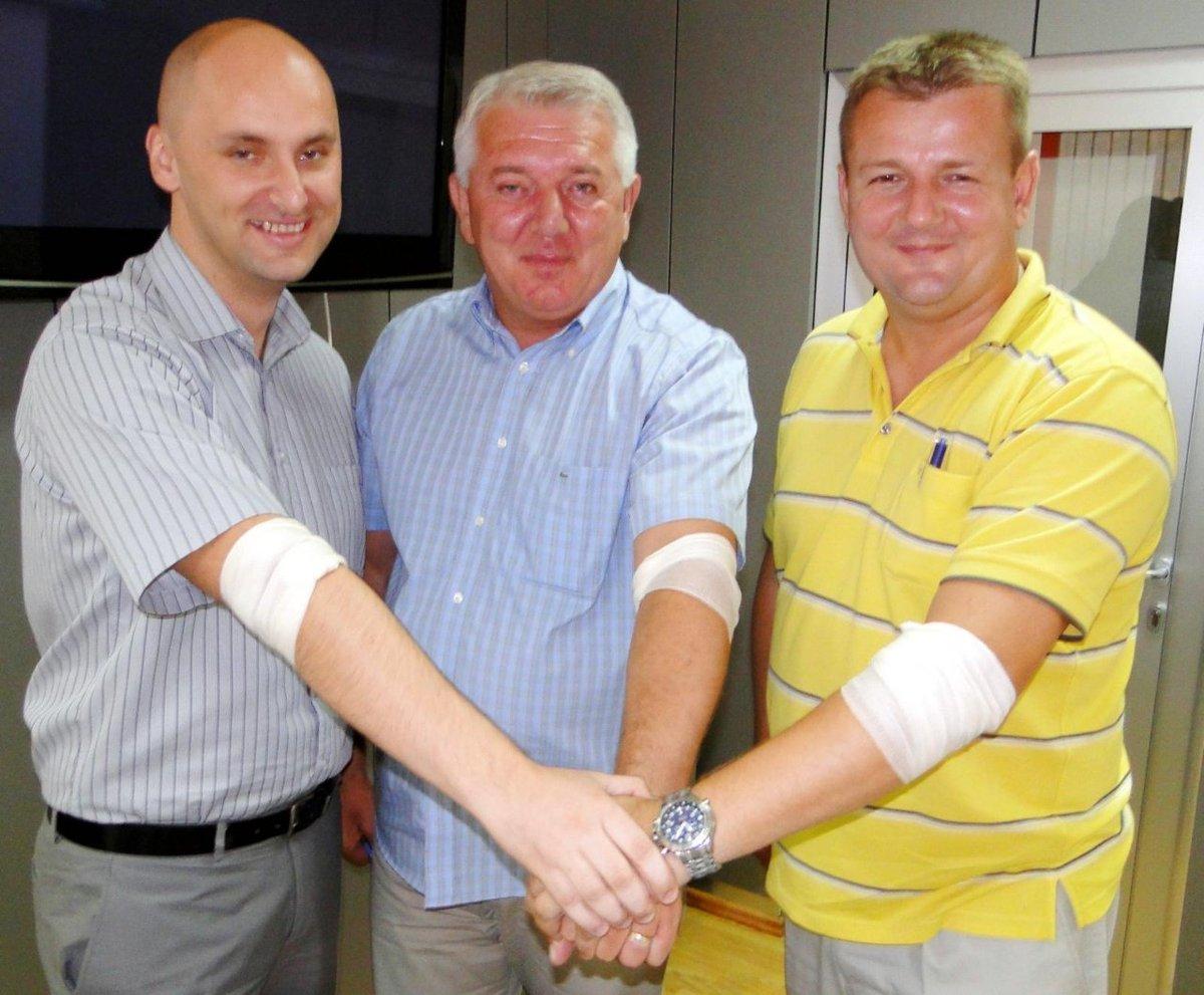 Elita: Ivan Đakić je dobio 220 tisuća naših kuna za bazen u hotelu D8fI5_sU0AAp11N