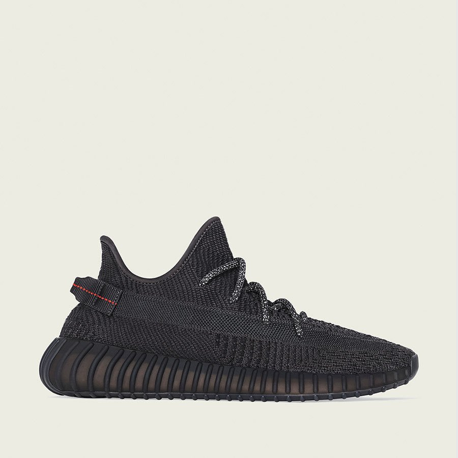 GIVEAWAY!  1X YEEZY BOOST 350 V2 SIZE OF YOUR CHOICE 5X @Splashforcebot 3.0 LIFETIMES  RULES:  • FOLLOW @Splashforcebot.  • TAG A FRIEND.  • LIKE + RT.   WINNERS WILL BE ANNOUNCE IN 5 DAYS.  GO!! 🌊🌊🌊