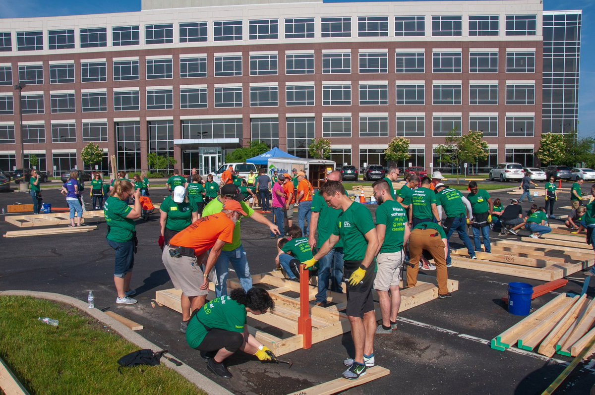 Before ADESA parent @KARspeaks moves into its new building, hundreds of #KARsquad volunteers gave their time to @IndyHabitat to help build a new home for Rene. Piles of wood turned into panels and walls in just a few hours with many helping hands. #KARintheCommunity