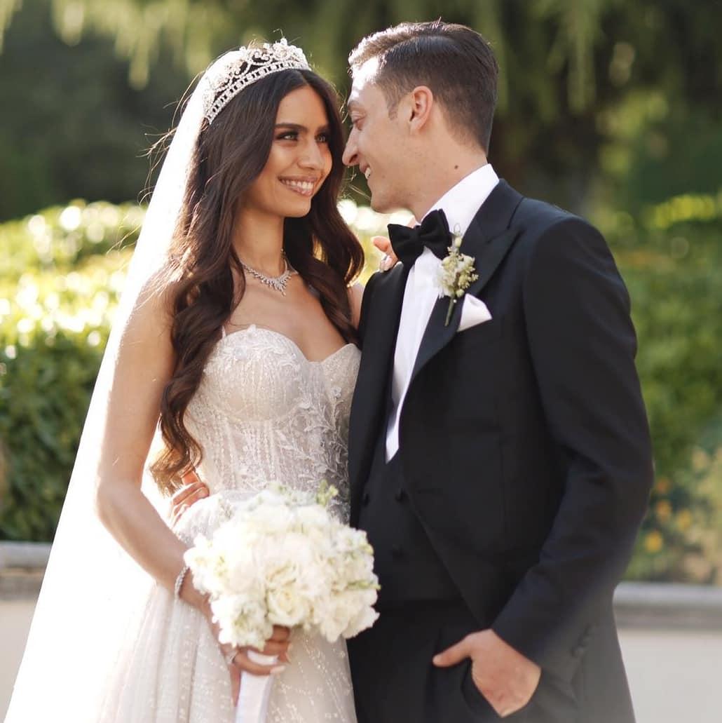بالصور .. أردوغان يحضر حفل زواج اوزيل وملكة جمال تركيا أمينة جولشن 25