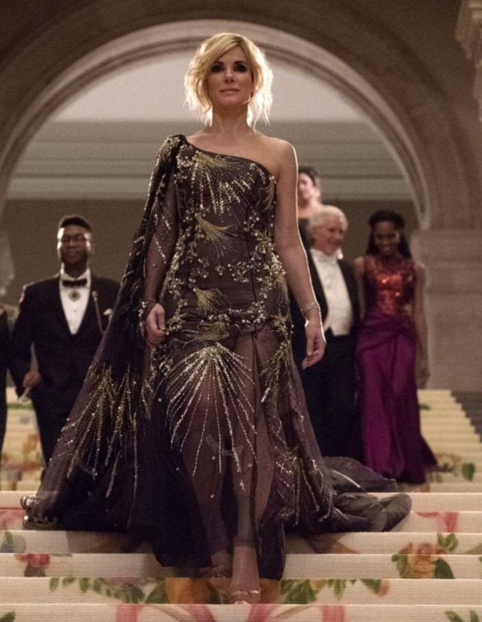 Appreciation tweet for the Met Gala looks of the O8 cast (1/2) <br>http://pic.twitter.com/E1NFI1frOp