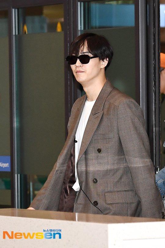 Incheon Airport   #재범 #갓세븐  #JB #GOT7  #DEFSOUL #DefsoulTogether #GOT7JBwithYSL #JaebeomxYSL #YSLLA <br>http://pic.twitter.com/1TfcdOXLba