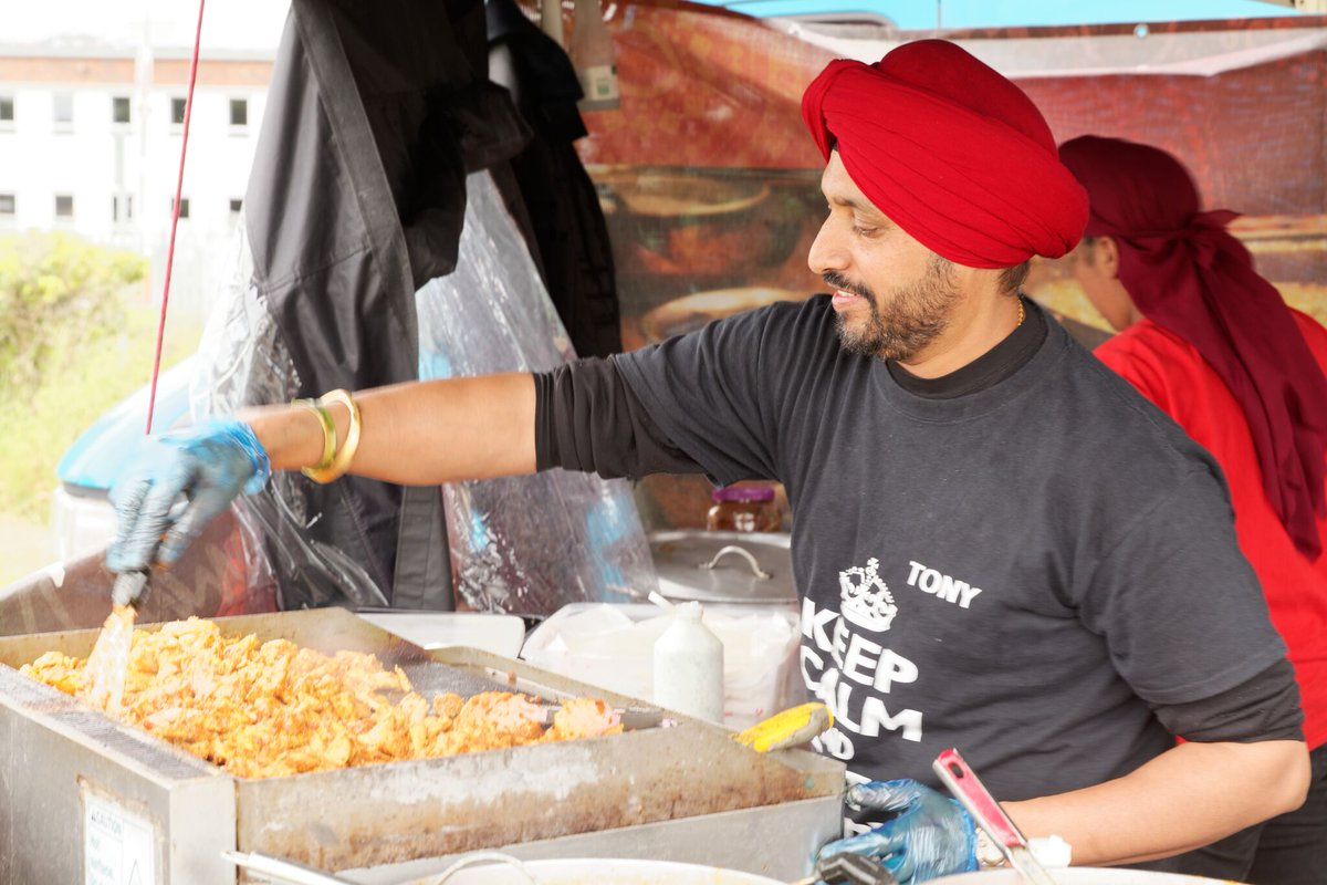 We're sizzling all sorts of spicy foods down at the #christchurch #bournemouth #cheeseandchillifestival today and tomorrow 10 till 5pm. Free Kids entry & parking is free, well behaved dogs welcome.  http:// ow.ly/62Zd30oUeQS    <br>http://pic.twitter.com/L9sj8Rdbik
