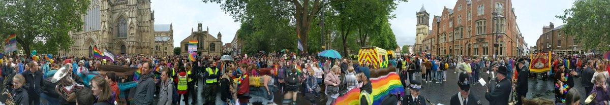 #pano of #YorkPride #raisetherainbow https://t.co/wigJ3h5ehW