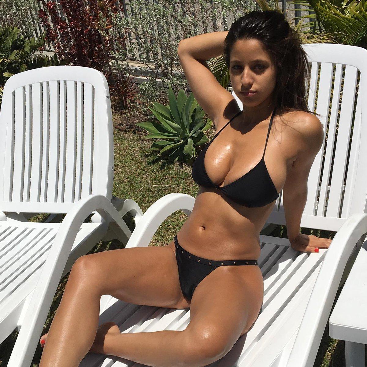 Nude ruth bikini