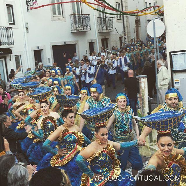 test ツイッターメディア - 今年のアルファマ地区の衣装。本番は06月12日、聖アントニオ祭り夜に行われるリスボン地区対抗パレードです。アルファマピープルは、このパレードのために毎年たくさんの時間を費やし、ほとんど毎年優勝してます。 #リスボン #ポルトガル https://t.co/9W2vAmuCqI