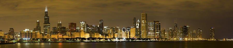 "#POTD for 06-8 ""Chicago Skyline At Night"" https://t.co/TGYWT1ErIL #photography #photo #Chicago #skyline #pano https://t.co/Fzd9bWuzD6"