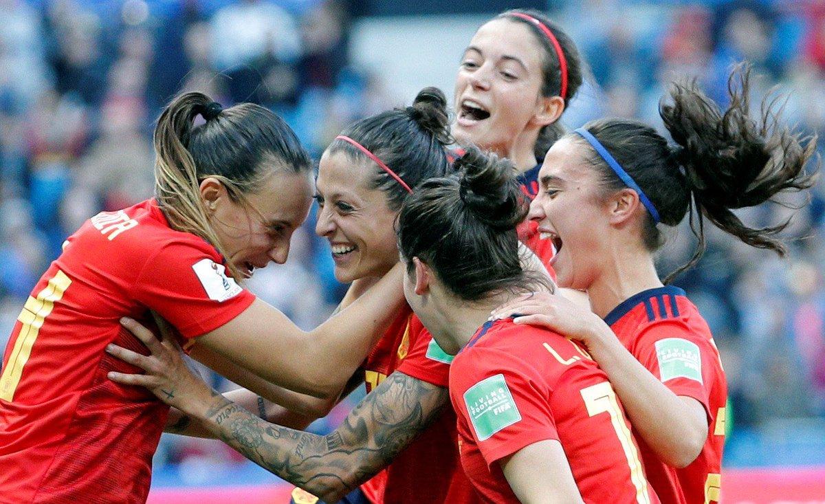 🇪🇸⭐️ H I S T Ó R I C A S ⭐️🇪🇸  La Selección Española Femenina vence a Sudáfrica (3-1) y logra la PRIMERA VICTORIA DE SU HISTORIA en un Mundial.   #FútbolAúnMásGrande