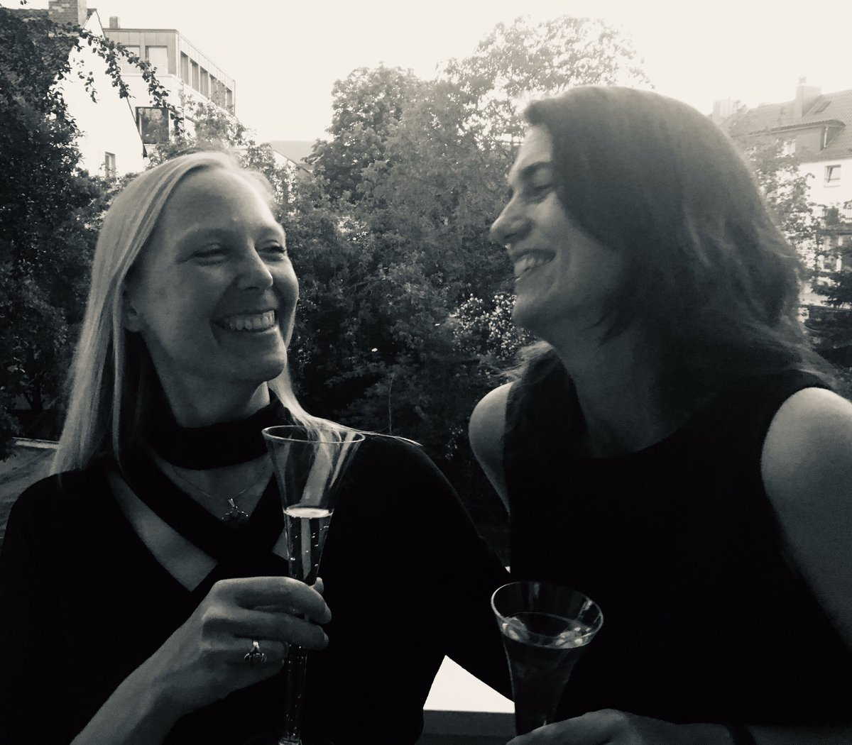Through my work as a #scientist I got to know so many wonderful people - with one of them I am celebrating her birthday today. Cheers to Gisa Gerold @GeroldLab and thank you for being such a great colleague and true friend. #lovevirology #WomenInSTEM