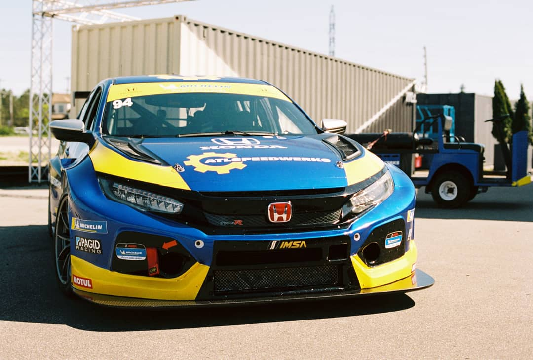 I got to drive a real racecar this week. Turbo 2.0L I4, 300-plus horsepower to the front wheels through a sequential gearbox. What a riot. Honda Civic Type R TCR @HondaRacing_HPD @therealautoblog