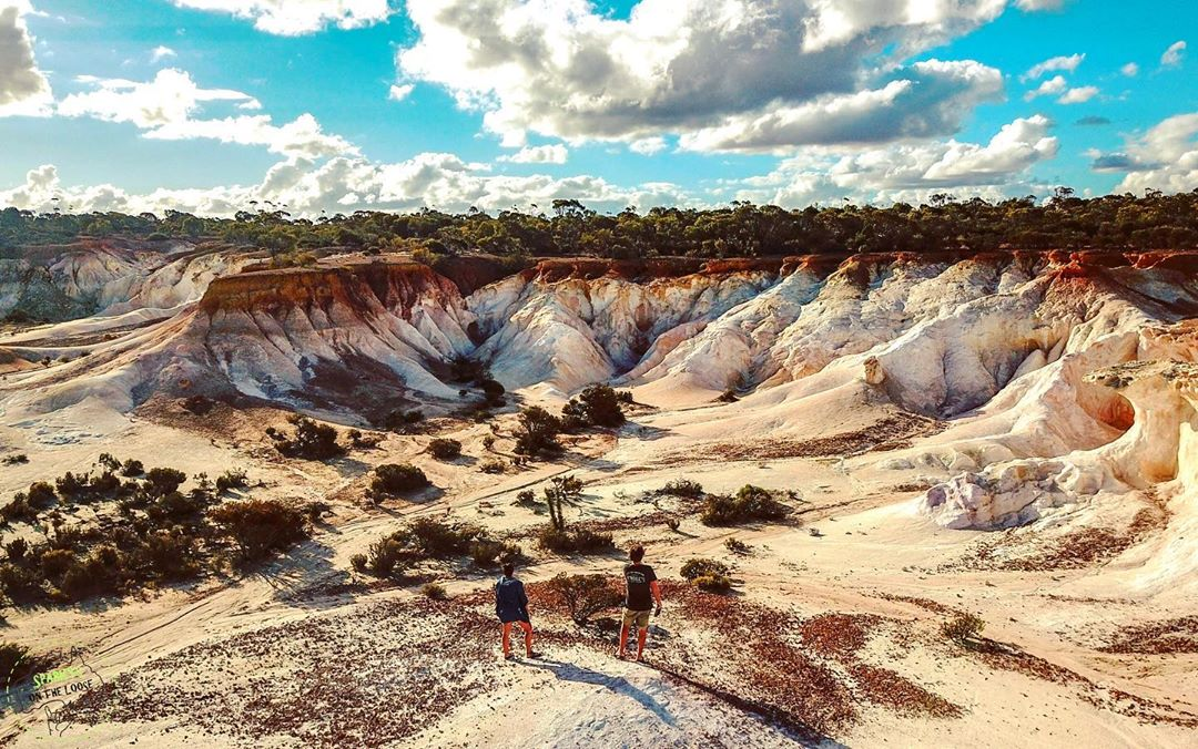 Located about 70km east of the Wheatbelt town of Kulin lies Buckley's Breakaway, a truly out of this world sight! This picturesque landform is a result of erosion that has cut through the orange laterite and formed spectacular white cliffs and gullies. Pic: IG/sparkysontheloose