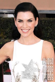 Happy Birthday Wishes to this lovely lady Julianna Margulies!