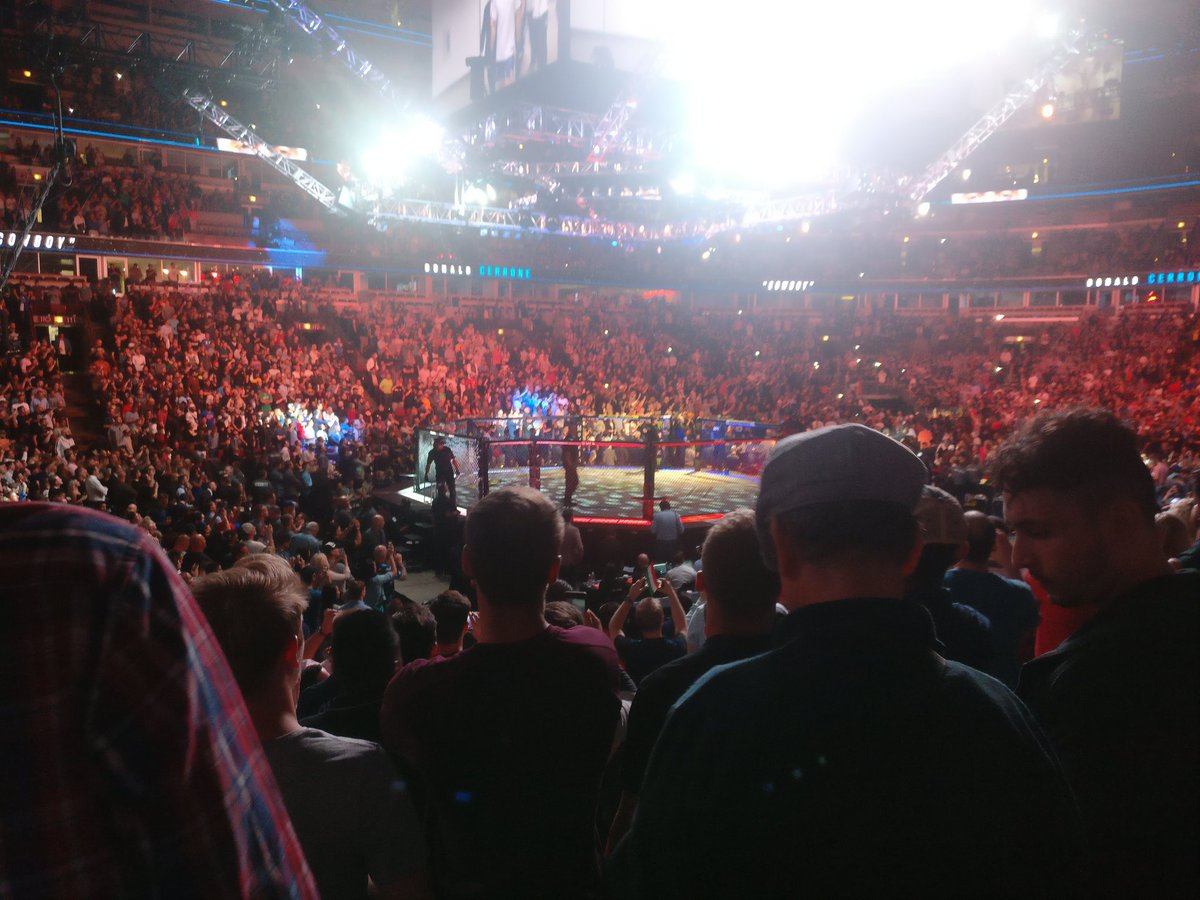 #ufc238 #ufcchicago #unitedcenter @Cowboycerrone had all of Chicago standing for his entrance and everyone standing after first round #mma #ufc