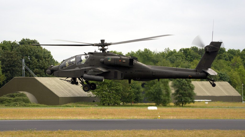 "Dutch Air Force Grounds #AH64 #Apache Attack Helicopter Fleet Due to ""Problem with Tail Rotor"". #RNLAF https://defpost.com/dutch-air-force-grounds-apache-attack-helicopter-fleet-due-to-problem-with-tail-rotor/ …"