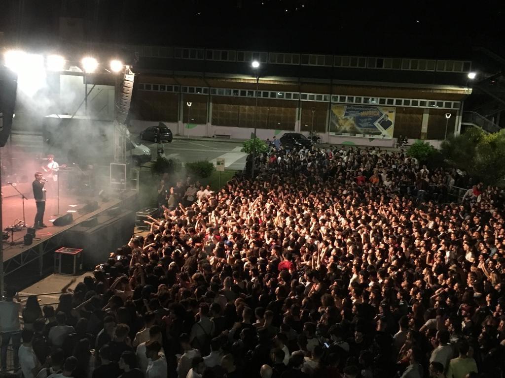 RT @g_romaniello: 3.000 ragazzi nel cuore di #Unib...