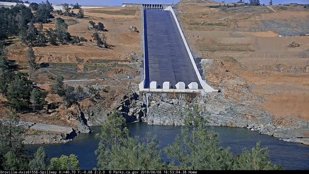 oroville dam on JumPic com