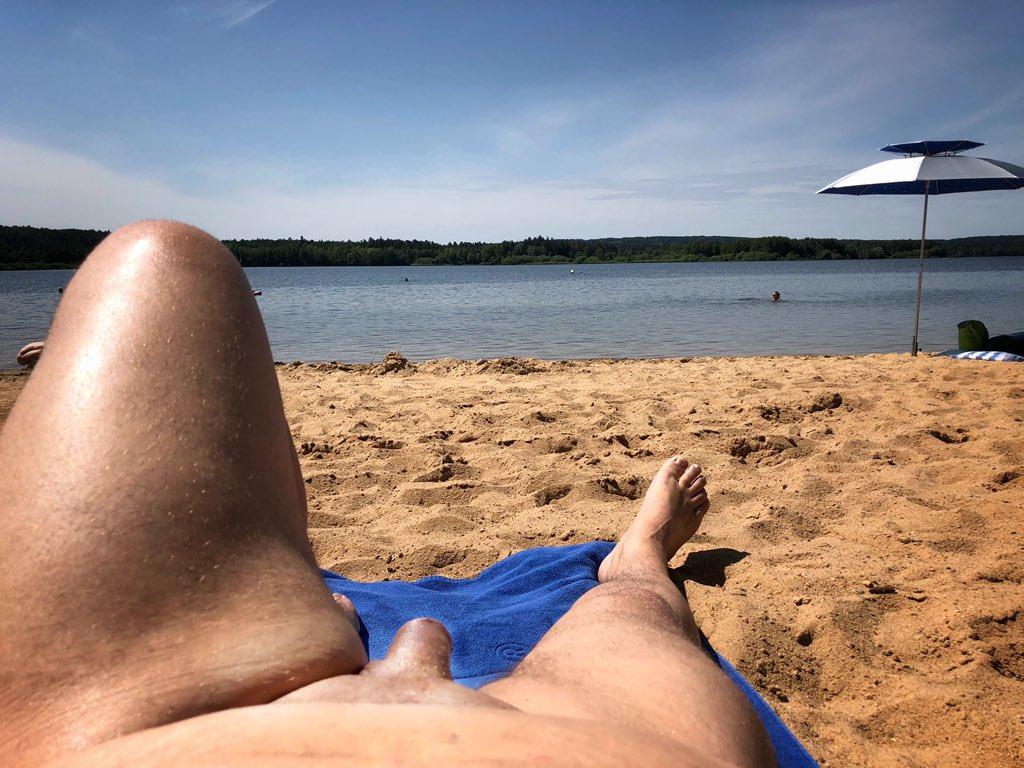Nacktschwimmen