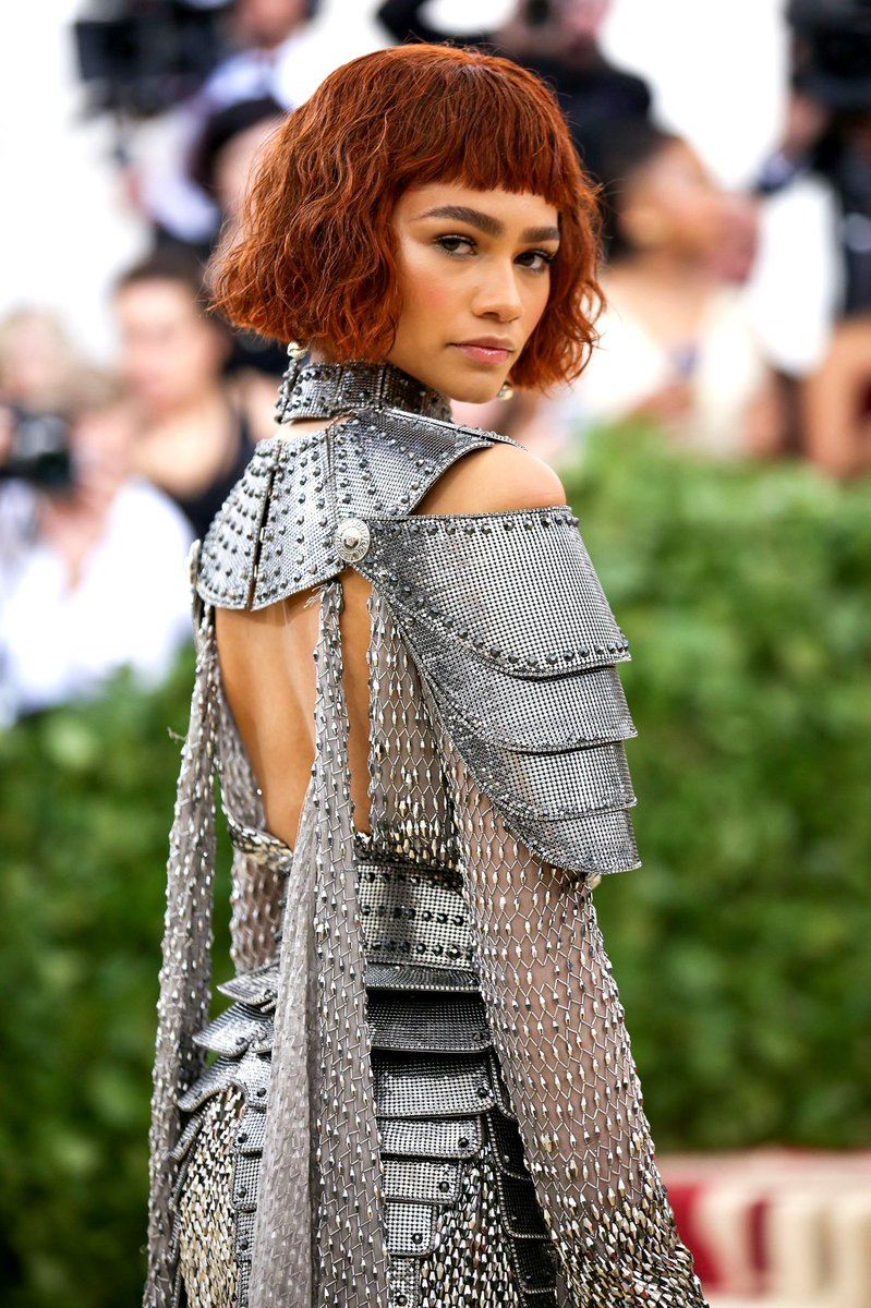 zendaya's joan of arc met gala look will never die as long as I'm alive to talk about it <br>http://pic.twitter.com/jriAhtnp9R