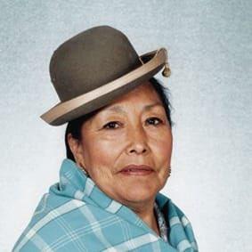 Lamentamos el fallecimiento de la hermana Agar Antequera, mejor conocida por su nombre artístico Agar Delós, actriz muy querida por nuestro pueblo que con su arte reivindicó la dignidad, identidad y valentía de la mujer boliviana. Nuestra solidaridad a su familia.