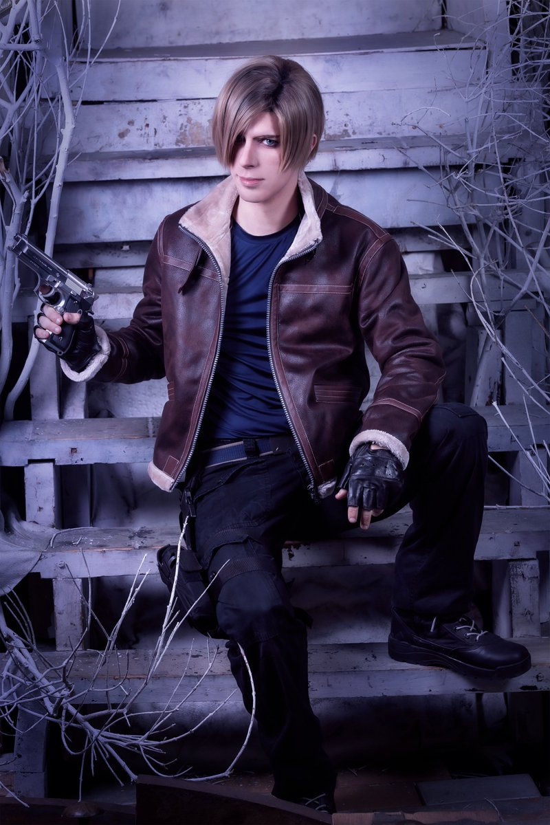 Clow Ff7 Twitch On Twitter Resident Evil 4 Leon S Kennedy