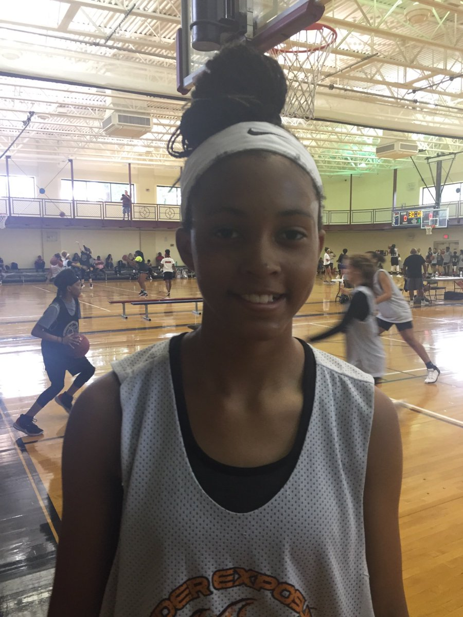 Wow! 6' ('25 - KS) G @AubreyShaw23 is going through the drills & skills portion of the Day 2 schedule at game speed and I can tell it's going to be along day for whoever has to guard her at the  @InsiderExposure #JrAACamp   @coachkent02 @CarolinaGHoops @GameSoTrue @GrindHouseBB