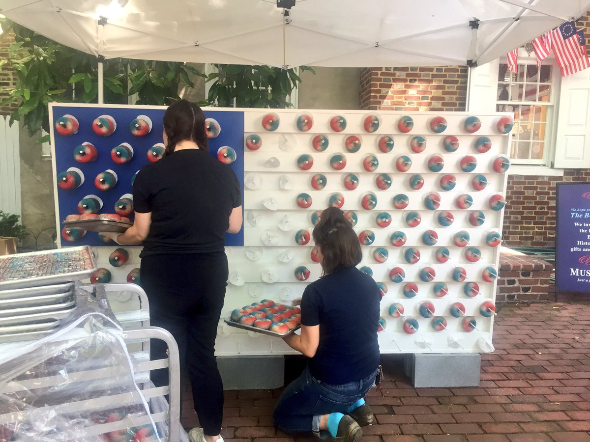 Free @FederalDonuts! Our star spangled donut wall is up as we kick off Flag Week! Stop by the Betsy Ross House at 1 pm to try one of these limited edition donuts! #FlagFest #BetsyRossHouse #HistoricPhilly<br>http://pic.twitter.com/F7Yd7bQsBc