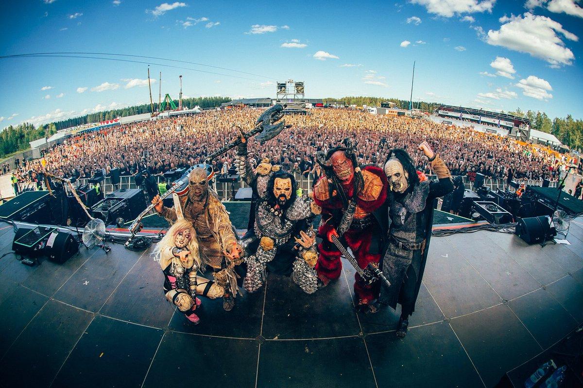 Thank you Rockfest! That was awesome fucking awesomeness!  Pic: Henri Juvonen  https://t.co/dyTRntsP5e  #lordi #HYVINKÄÄROCKFEST https://t.co/w7tG50vLJ8
