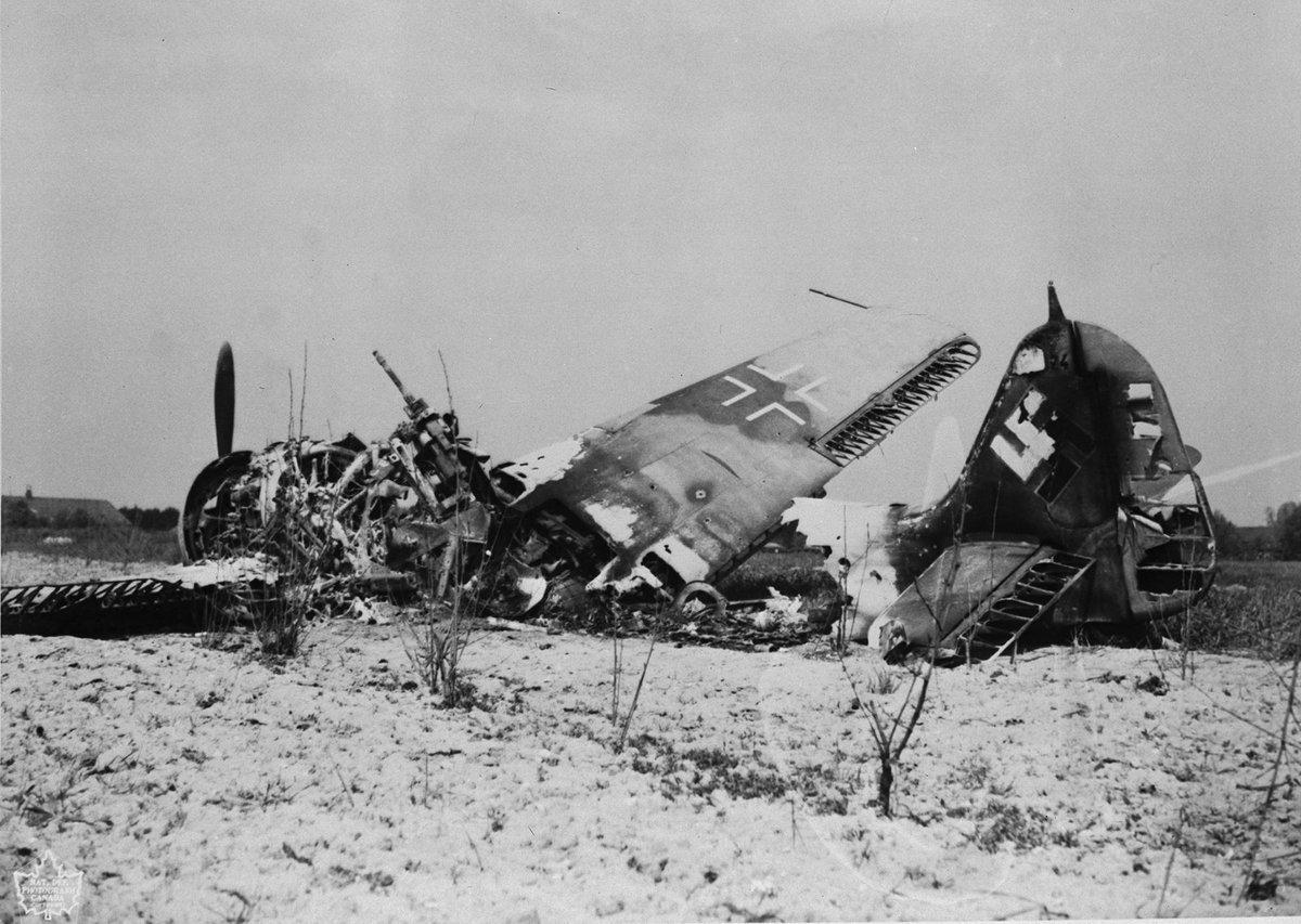 фото разбитых самолетов вов хорошо подходит для