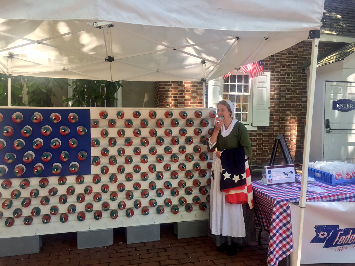 It's free donut time! Stop by the Betsy Ross House to sample the @FederalDonuts flag! #OldCityPhilly #discoverphl #visitphilly<br>http://pic.twitter.com/BZMpJEGjD3 – à Betsy Ross House