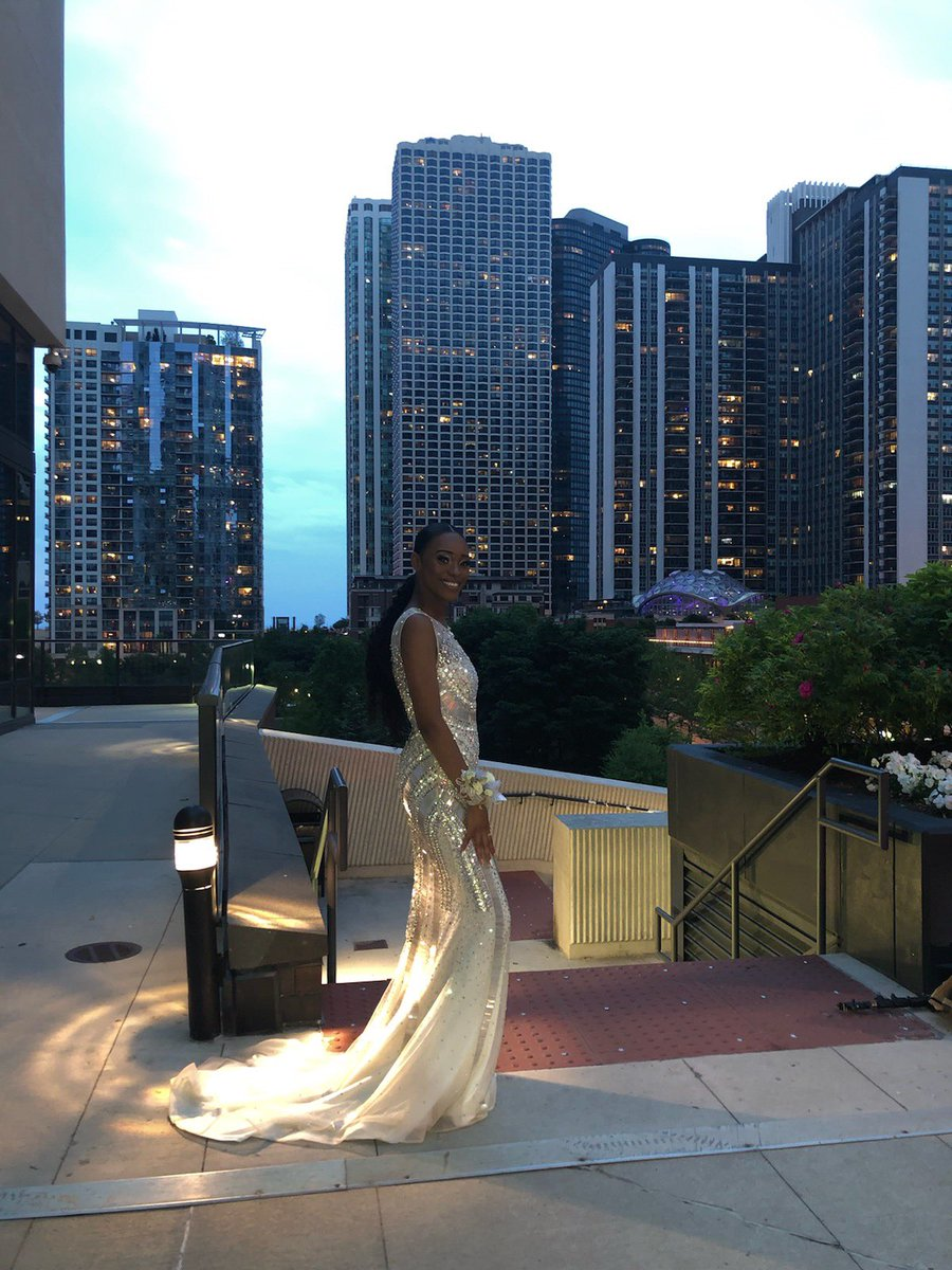they wish they could bag that..#prom2k19 #SetTheWoodOnFire <br>http://pic.twitter.com/xInz9AUVk4