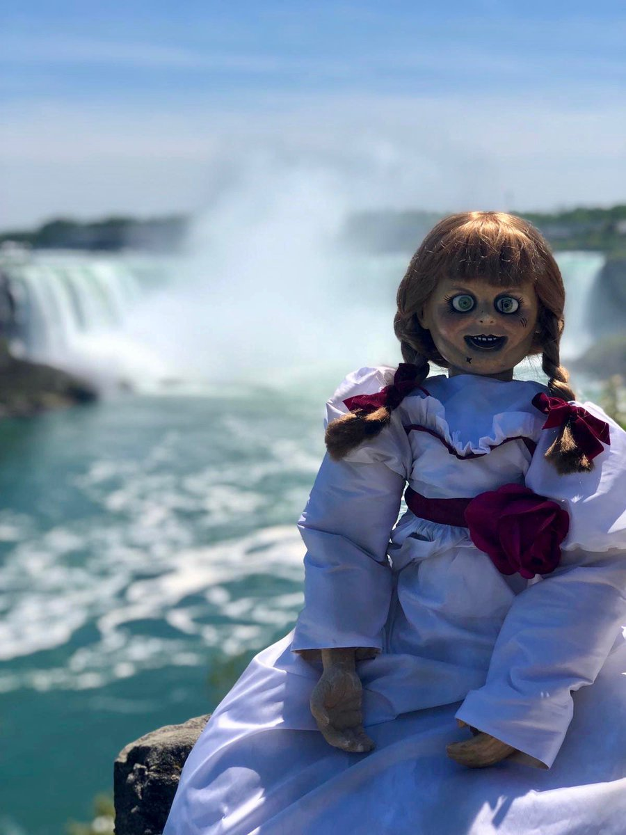 Annabelle is coming home for the #HavocTourCanada! This weekend's stop: @NFComicCon! Follow @WarnerBrosCA to see which iconic Canadian locations Annabelle will haunt next! #AnnabelleComesHome is in theatres June 26.