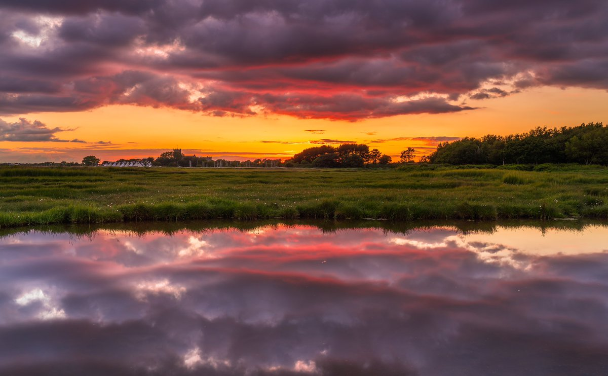 Reflections In Christchurch @HollyJGreen @ca_accountants @DorsetMag @LoveXchurch @TheNoisyLobster @StormHour @STPictures @visit_dorset  #dorset<br>http://pic.twitter.com/PztpYe6lBK